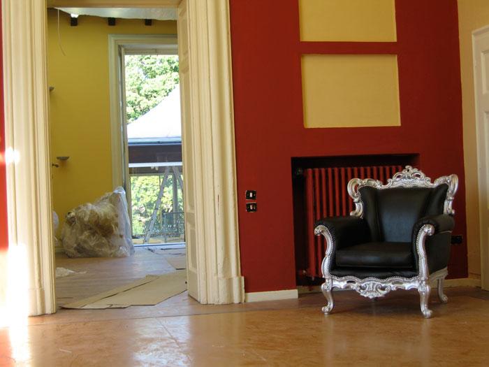 La pupa e il secchione villa motta soggiorno for Poltrone barocche